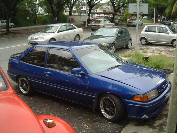 Ford Laser 1992 foto - 2