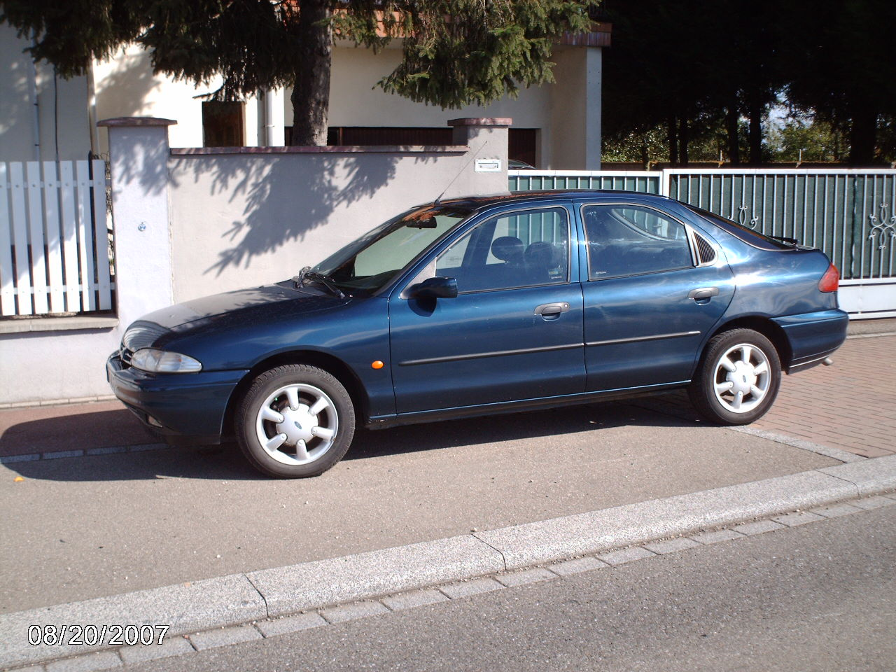 Ford Mondeo 1998 foto - 4