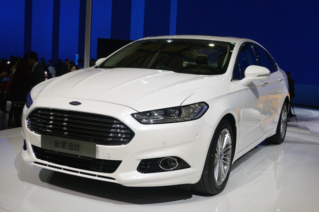 Ford Mondeo 2014 foto - 2