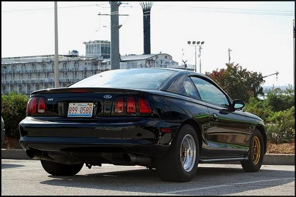 Ford Mustang 1997 foto - 1