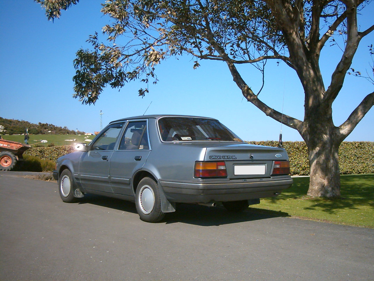 Ford Orion 1984 foto - 1