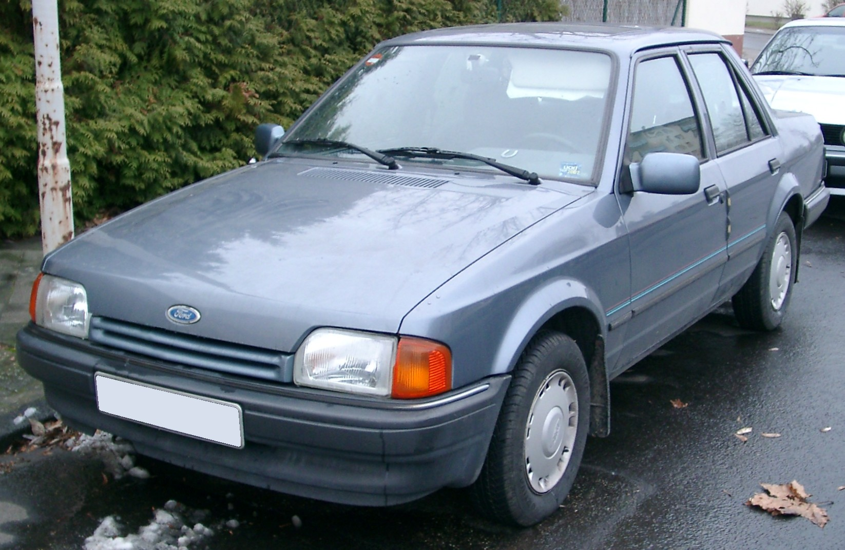 Ford Orion 1986 foto - 2