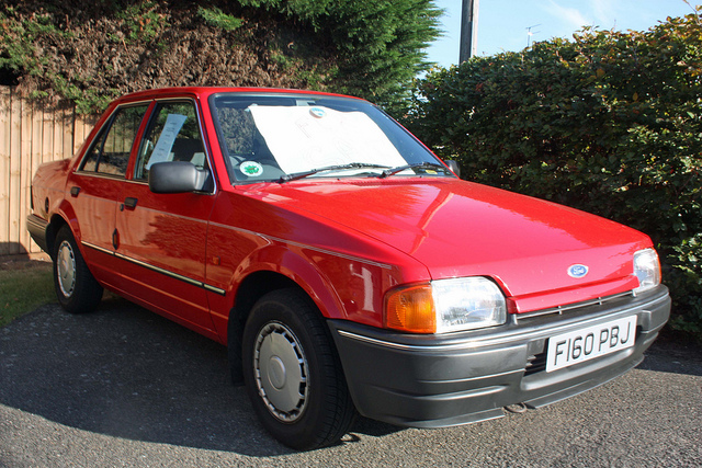 Ford Orion 1988 foto - 2
