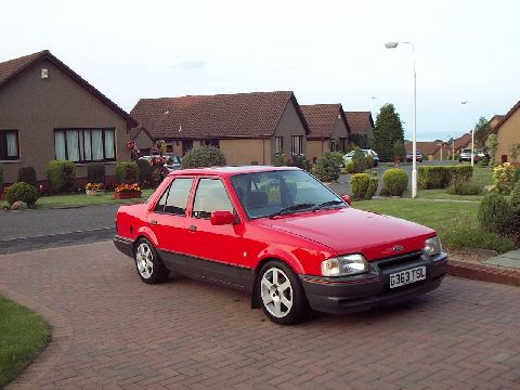 Ford Orion 1990 foto - 1