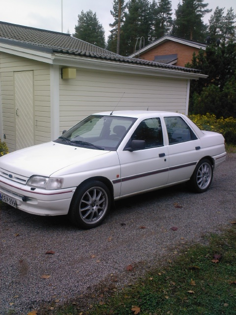 Ford Orion 1990 foto - 5