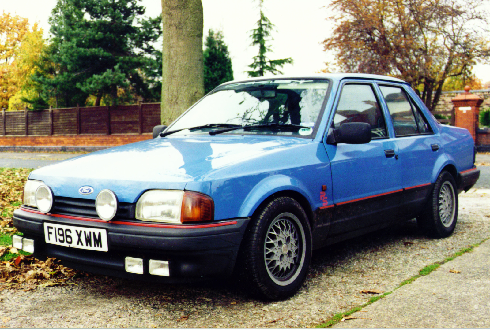 Ford Orion 1992 foto - 3