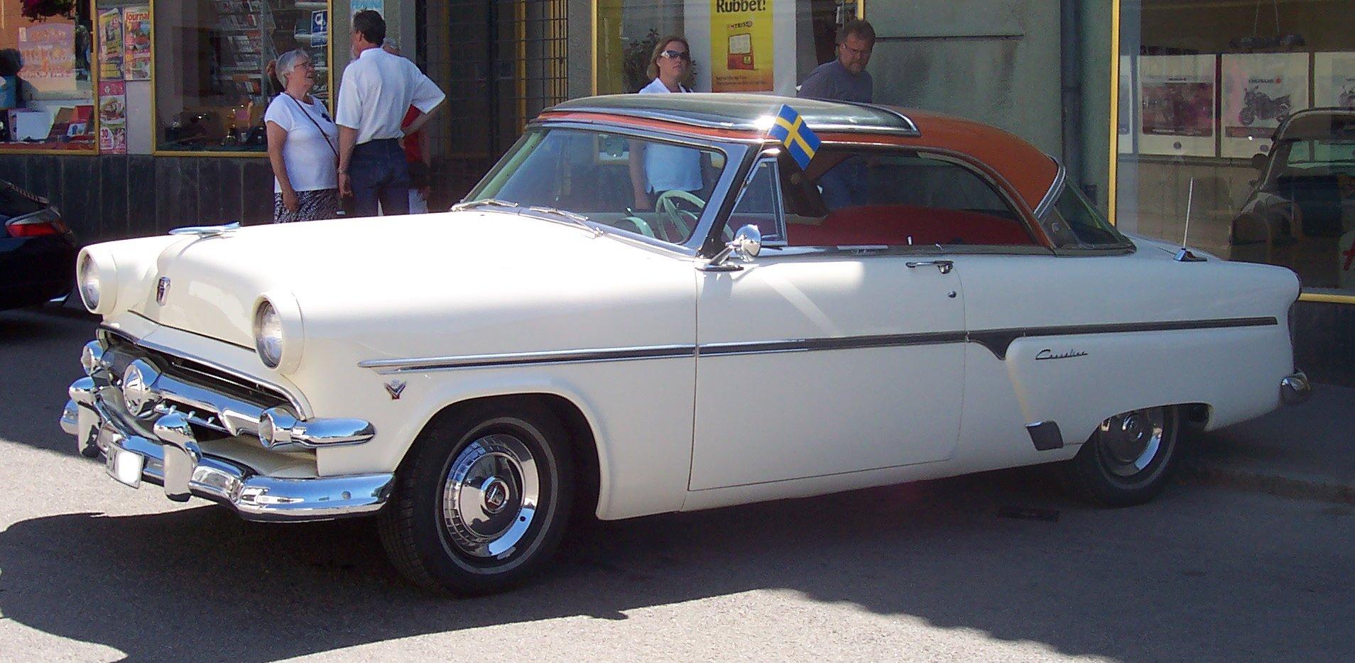 Ford Skyliner 1954 foto - 1