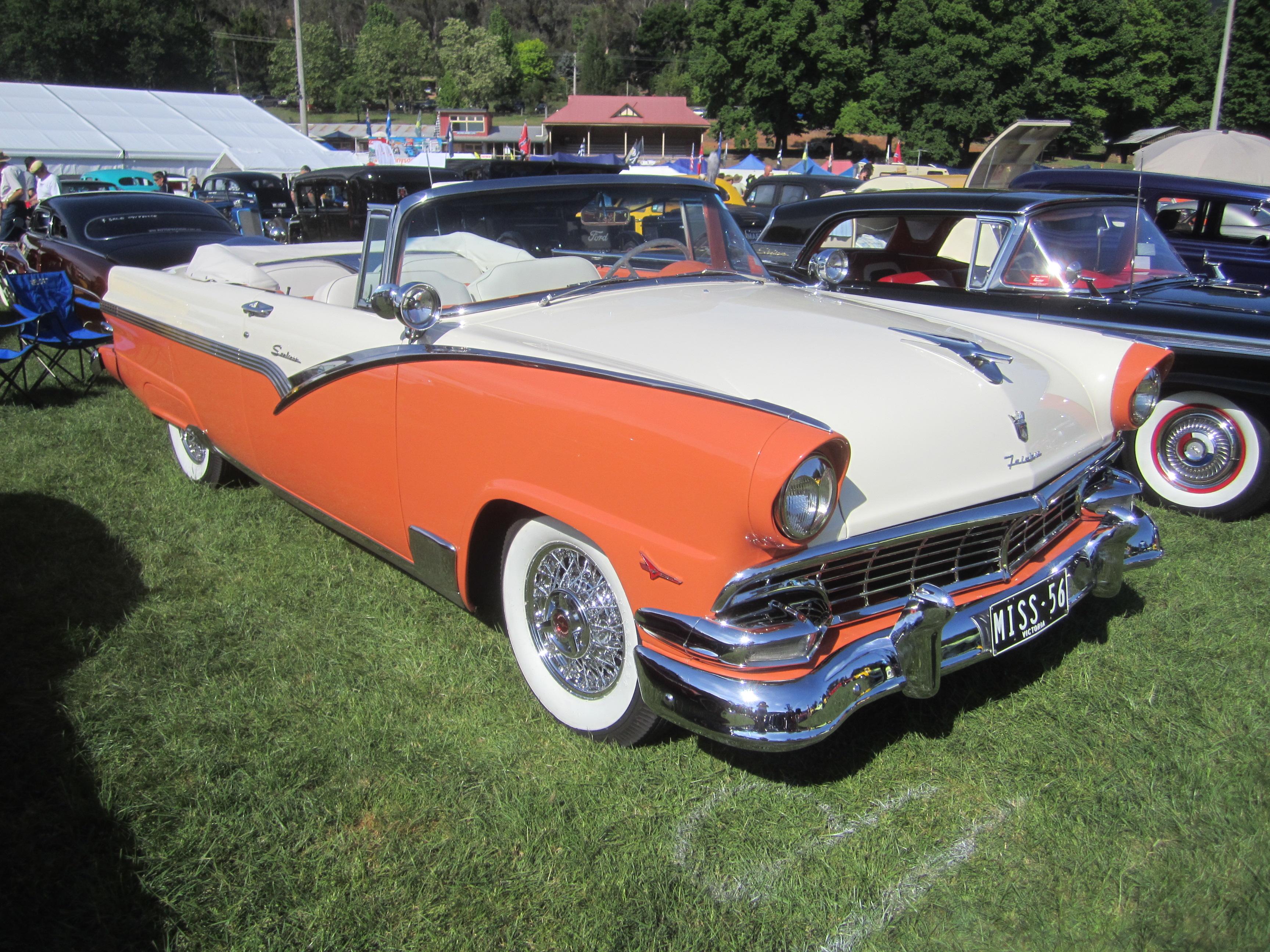 Ford Sunliner 1956 foto - 2