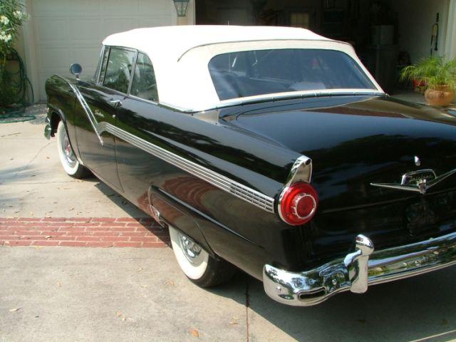 Ford Sunliner 1956 foto - 3