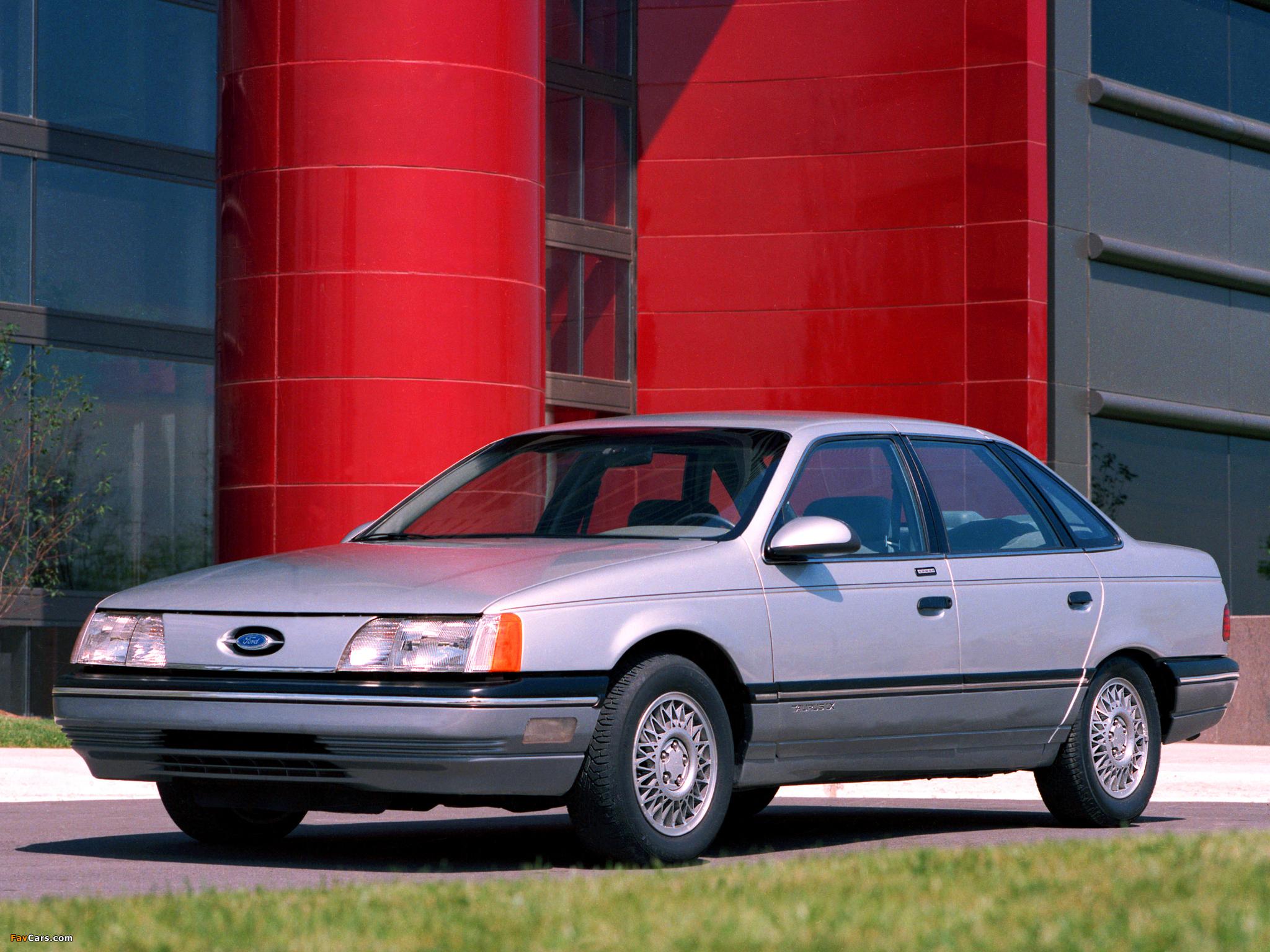 Ford Taurus 1985 foto - 1