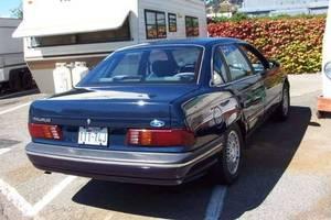 Ford Taurus 1986 foto - 2