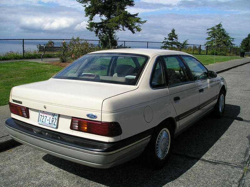 Ford Taurus 1986 foto - 5