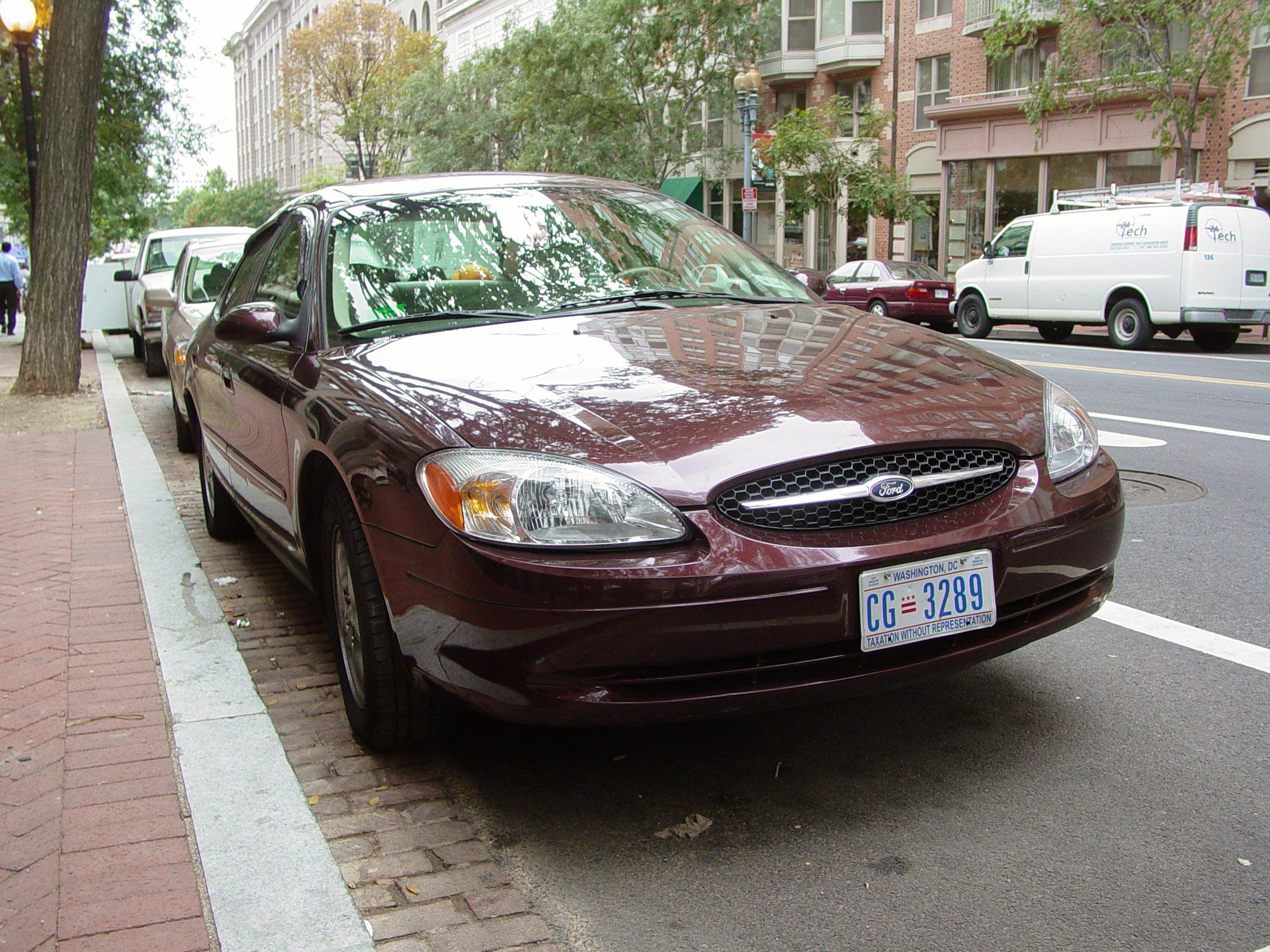 Ford Taurus 2003 foto - 1