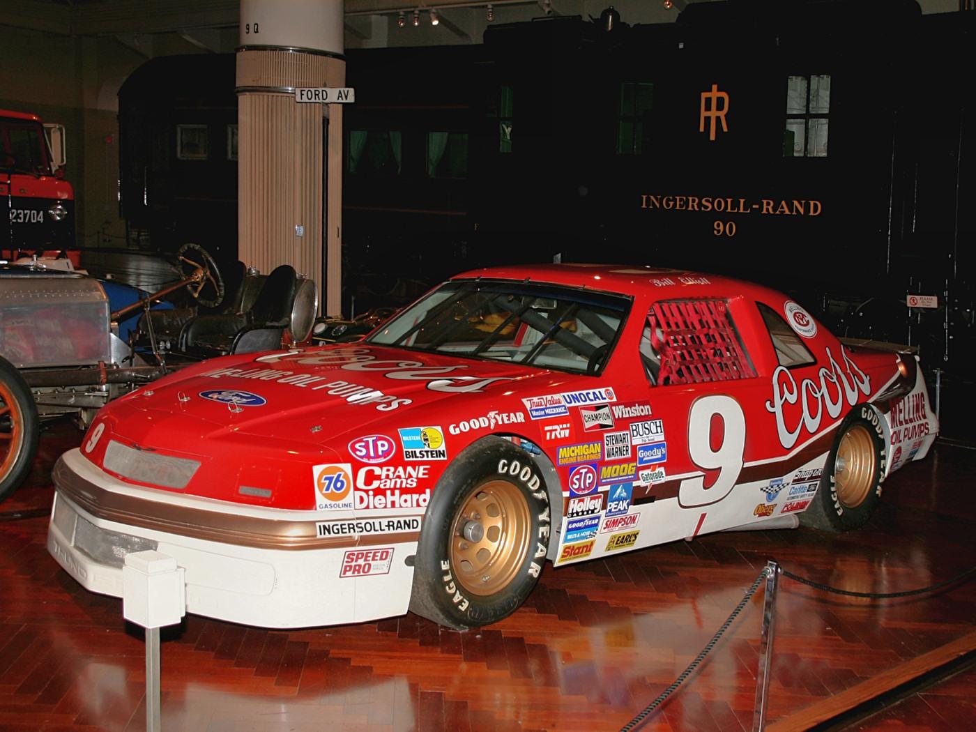Ford Thunderbird 1987 foto - 2