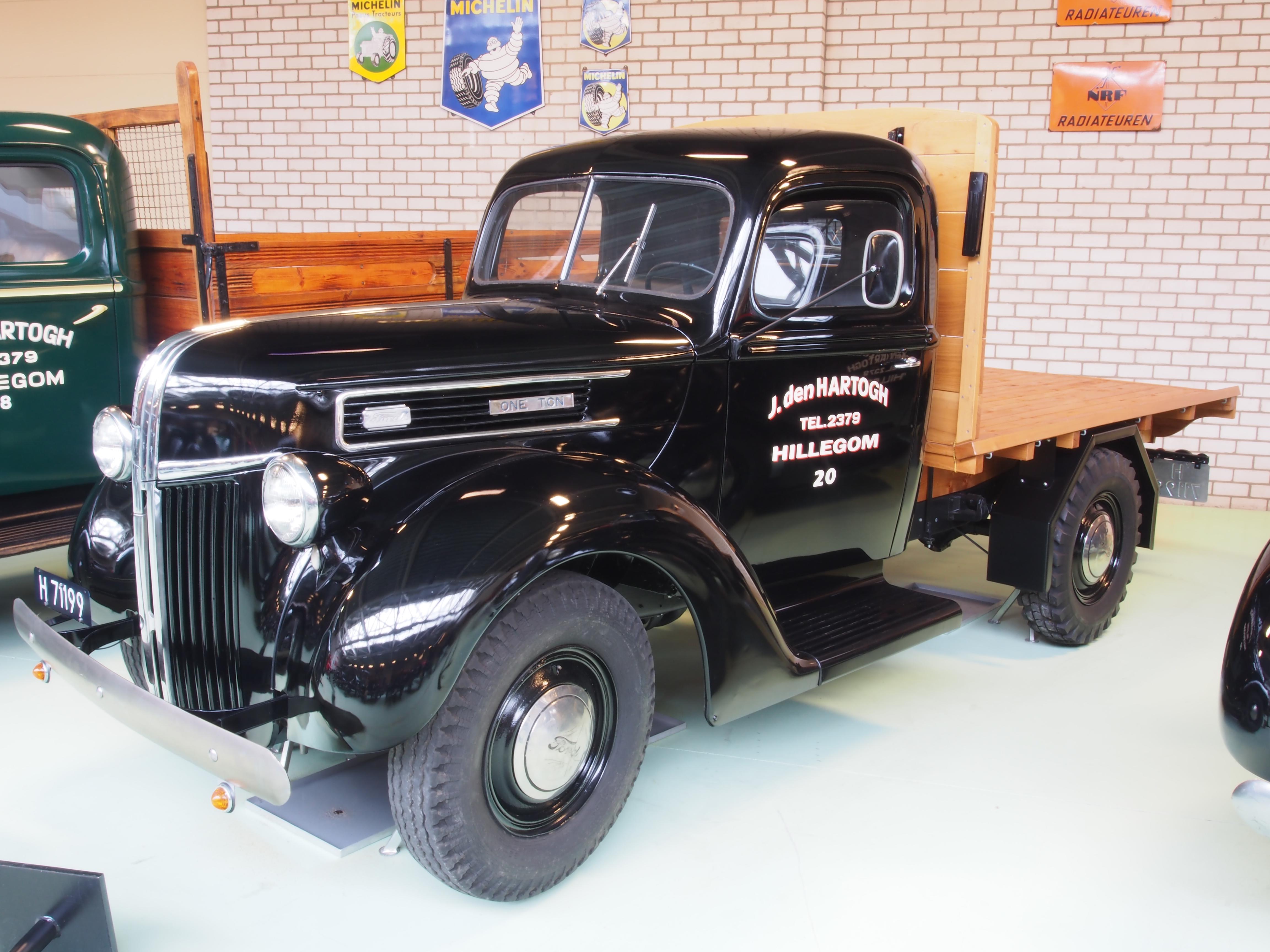 Ford Truck 1941 foto - 1