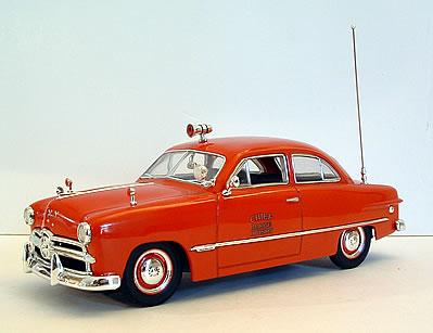 Ford Tudor 1946 foto - 1