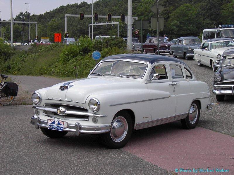 Ford Vedette 1957 foto - 1