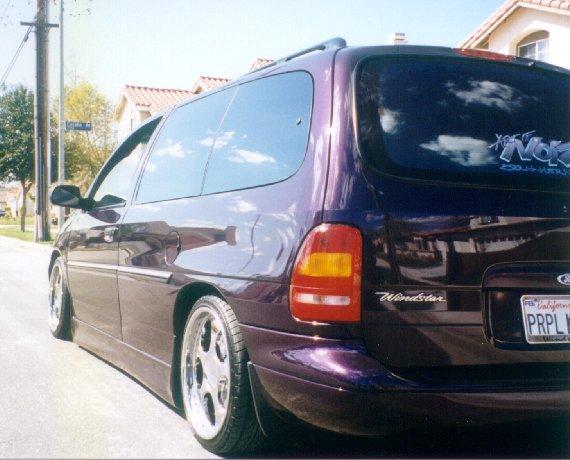 Ford Windstar 2002 foto - 1