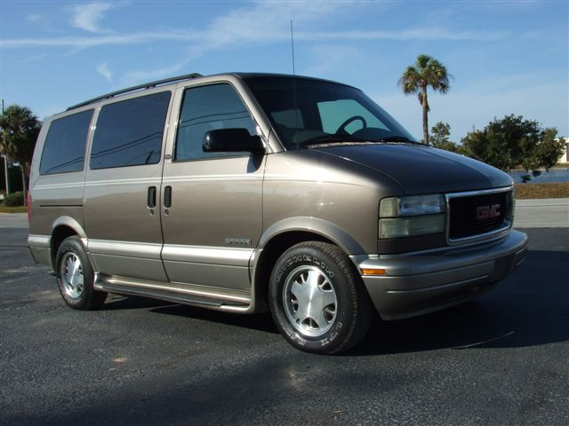 GMC Safari 1997 foto - 1