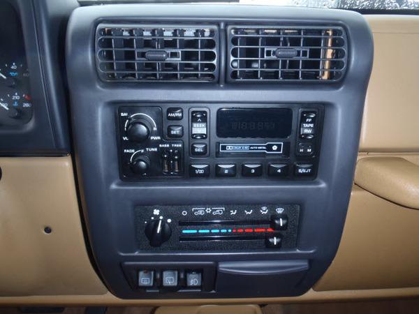 Jeep Wrangler 1998 foto - 4